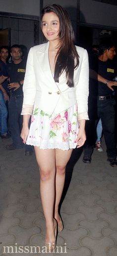 Student Of The Year star looks so sweet in this pretty skirt and blazer...