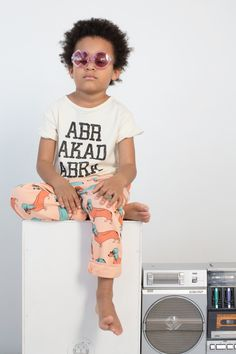 Tee Abrakadabra Off White – Gardner and the gang Kids Fashion Blog, Trendy Fashion, Gardner And The Gang, Barefoot Kids, Boy Outfits, Fashion Outfits, Spring Summer Trends, Summer 2015, Kid Styles