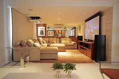 Ht18b-Cinema em casa - telão e projetor no teto da sala