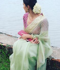 Five Best Saree Blouse Designs – Fashion Asia Trendy Sarees, Stylish Sarees, Fancy Sarees, Simple Sarees, Indian Dresses, Indian Outfits, Indian Clothes, Looks Party, Organza Saree