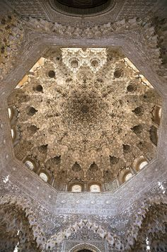 Nasrid Palace, Alhambra, Hall of the Two Sisters (Muqarnas Dome), Palace of the Lions in Granada, Spain Architecture Antique, Islamic Architecture, Beautiful Architecture, Art And Architecture, Architecture Details, Alhambra Spain, Andalusia Spain, Alhambra Hall, New Palace