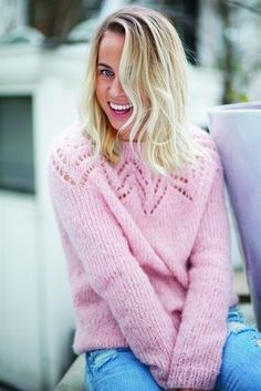 Tirilgenser i lys blå/grå str M Pullover yoke round lace Sweater Knitting Patterns, Cardigan Pattern, Knitting Stitches, Baby Knitting, Crochet Patron, Knit Crochet, Knitwear Fashion, Fair Isle Knitting, Knitting For Beginners