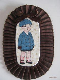 Broche medallón niño. www.lacasademarch...