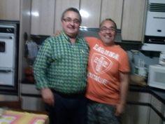 Mi amigo de la infancia Carlitos Lara y yo, reencuentro 43 años despues, como si no hubiera pasado el tiempo. Muy lindo reencuentro.