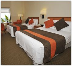 3 x 2 en Radisson Iquique. ¡Pagas 2 noches para una estadía de 3! Radisson Hotel, Hotel Deals, Bed, Furniture, Home Decor, Swiming Pool, Cozy, Interiors, Home