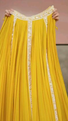 Indian Gowns Dresses, Indian Fashion Dresses, Dress Indian Style, Indian Designer Outfits, Stylish Dresses For Girls, Stylish Dress Designs, Wedding Lehenga Designs, Indian Bridal Outfits, Desi Wedding Dresses