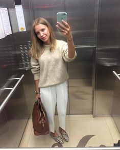 Irina Golomazdina (@golomazdina) • Fotos y vídeos de Instagram Summer Work Outfits, Cool Outfits, Spring Summer, Work Fashion, Paris Fashion, Signature Style, Express Dresses, Fashion Images, Street Style Women