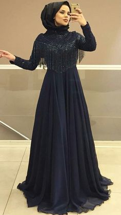 New Bridal Hijab Pakistani 34 Ideas Wedding Hijab Styles, Hijab Wedding Dresses, Pakistani Dresses, Hijab Gown, Hijab Dress Party, Abaya Fashion, Fashion Dresses, Dress Brokat, Muslim Women Fashion