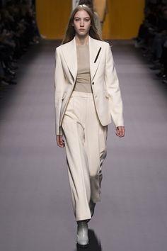 Hermes - Autumn/Winter 2016-17 Ready-To-Wear - PFW (Vogue.co.uk)