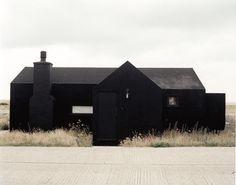 Via: grijs: ⎛ Daniel Griffiths: Black House daniel-griffiths. Via: grijs: ⎛ Daniel Griffiths: Black House daniel-griffiths…. Black Exterior, Exterior Design, Interior And Exterior, Dark House, My House, House Front, Pavillion, Architecture Résidentielle, Installation Architecture