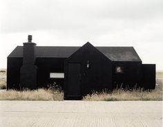 dark house in ethereal setting | via hoyss