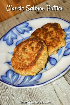 This Classic Salmon Patties recipe uses canned salmon and some cracker crumbs to make a delicious main dish. This Classic Salmon Patties recipe uses canned salmon and some cracker crumbs to make a delicious main dish. Salmon Patties With Crackers, Canned Salmon Patties, Fried Salmon Patties, Canned Salmon Recipes, Salmon Croquettes, Salmon Patties Recipe, Fish Recipes, Seafood Recipes, Cooking Recipes