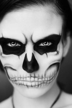 Skull Halloween Make Up -- now there's some dia de los muertos makeup for you
