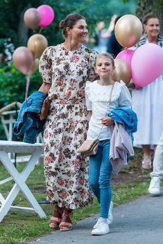 Royal Princess, Princess Victoria Of Sweden, Crown Princess Victoria, Jd Sports, Princesa Victoria, Prince Daniel, Queen Silvia, Casa Real, Swedish Royals