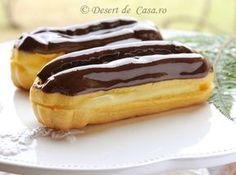 Hot chocolate with banana - Clean Eating Snacks Romanian Desserts, Romanian Food, Sweets Recipes, Cookie Recipes, Paratha Recipes, Sweet Cooking, Pastry Cake, Sweet Cakes, Desert Recipes