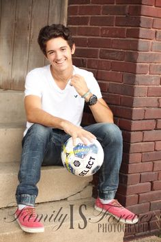 Senior portrait - picture ideas for guys - male pose - soccer - sports photo