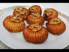 3 Malzeme ile Olabilecek en güzel Tatli Tarifi / Tarak Tatlisi Tatlı Tarifleri videolu tarif – Las recetas más prácticas y fáciles Great Desserts, Köstliche Desserts, Best Dessert Recipes, Sweet Recipes, Food Without Fire, Easy Healthy Recipes, Easy Meals, A Food, Food And Drink