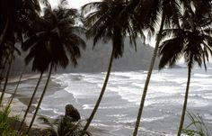 Ilha de S.Tomé-Litoral Sul-Praia 7 Ondas-1990