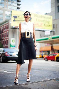 El cinturón 'oversized' de Céline