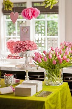 pink and green baby shower - dying over the cake stands/tulips
