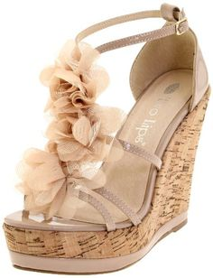 love these, but again...not mommy friendly. i can barely walk on flats with kids pulling on my legs...lol