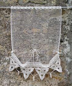 Rideau de fenêtre ou de porte en coton crocheté écru : Textiles et tapis par pfenninger