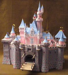 Free Printable Disney Castle with instructions for download disney crafts for adults #disney