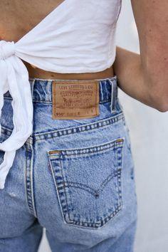 Levis vintage - high-waist mom jeans / all sizes Mom Jeans Outfit, Mom Outfits, Retro Outfits, Cute Outfits, Jean Outfits, Levis 550 Jeans, Jeans Levi's, Levis 501, Blue Jeans