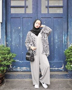 New Fashion Collage Ideas Patterns Ideas Islamic Fashion, Muslim Fashion, Hijab Fashion, Runway Fashion, Casual Hijab Outfit, Hijab Chic, Fashion Show Dresses, Modest Fashion, Modest Dresses