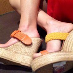 Tenemos esta sandalia en oferta para nuestros ultimos pares en stock...