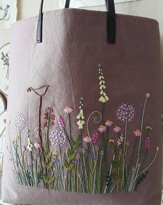 Wonderful Ribbon Embroidery Flowers by Hand Ideas. Enchanting Ribbon Embroidery Flowers by Hand Ideas. Embroidery Bags, Hardanger Embroidery, Learn Embroidery, Hand Embroidery Stitches, Silk Ribbon Embroidery, Hand Embroidery Designs, Embroidery Techniques, Machine Embroidery, Hand Embroidery Patterns Flowers