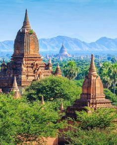 Os Templos de Bagan em Myanmar  O Du nosso colunista e autor do @cidadaniamundial foi para um dos países mais fascinantes do mundo e começou a publicar sua experiência no blog. Ficou  www.queroviajarmais.com/tag/myanmar #QueroViajarMais #Myanmar #Bagan