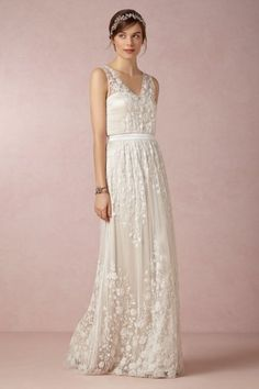 V-neck embroidered lace trapeze shaped tulle with ribbon wedding dress