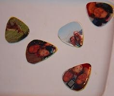 My cousin loves music. He taught himself how to play the guitar when he was younger, and has been playing, and writi. Diy Gifts For Men, Gifts For Boys, Cute Gifts, Man Gifts, Guitar Picks Personalized, Personalized Gifts, Guitar Crafts, Guitar Pick Jewelry, Guitar Pics