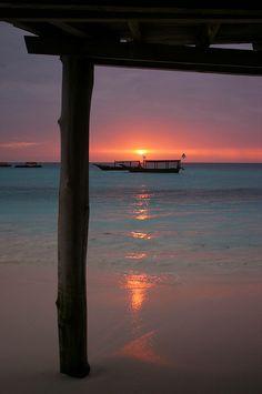 tramonto perfetto a Zanzibar - www.gitanviaggi.it