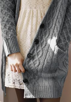 Grey cable knit oversized cardigan over white lace mini-dress Fall Winter Outfits, Autumn Winter Fashion, Fall Fashion, Mode Style, Style Me, Oversized Knit Cardigan, Cardigan Sweaters, Grey Cardigan, Fall Sweaters