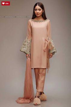 Order contact my whatsapp number 7874133176 Simple Pakistani Dresses, Pakistani Fashion Casual, Pakistani Wedding Outfits, Pakistani Dress Design, Bollywood Fashion, Indian Dresses, Indian Outfits, Indian Fashion, Stylish Dress Designs