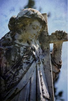 This is the Stone Angel that inspired the Canadian author Margaret Laurence to write her classic novel The Stone Angel. Photo was taken July 2010 in Neepawa, Manitoba, Canada. The Stone Angel, All About Canada, City Of Ashes, Angel Images, Stone Statues, Danse Macabre, Angels Among Us, Hudson Bay, Canada Day