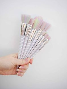 Unicorn Lashes Unicorn Brushes <3