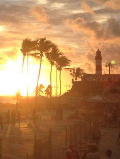 Verônica Lins - Pôr-do-sol no Farol da Barra. De tirar o fôlego! Veronica, Salvador, All Saints, Bell Rock Lighthouse, Charms, Savior, El Salvador