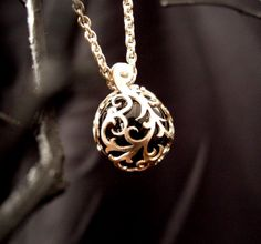 http://www.eozy.com/necklace
