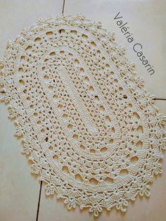 Crochet Squares, Crochet Doilies, Crochet Designs, Crochet Patterns, Crochet Table Mat, Mandala Rug, Crochet T Shirts, Crochet Pumpkin, Crochet Boots