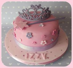 Princess tiara and wand cake - Cake by Hayley