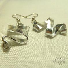 Orecchini in filo metallico di alluminio  MOR029 di LeftHandLab