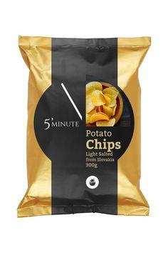 snacks chips packaging & snacks chips - snacks chips and candy - snacks chips packaging - snacks chips party Chip Packaging, Packaging Snack, Food Packaging Design, Packaging Design Inspiration, Brand Packaging, Packaging Ideas, Comida Disney, Les Croquettes, Chips Brands