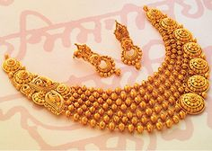 Fulfill a Wedding Tradition with Estate Bridal Jewelry Gold Jewellery Design, Gold Jewelry, Gold Necklace, Jewlery, Jewellery Earrings, Choker Necklaces, Tiffany Jewelry, Short Necklace, Diamond Jewellery