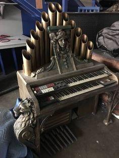 Halloween organ prop