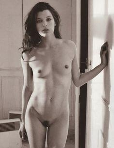 "CELEBRITY NUDE CENTURY: Milla Jovovich (""Resident Evil"")"