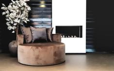 Ideas Bedroom Inspiratie Eric Kuster - Luxury Lifestyle: Your Guide To Modern Luxury Life Small Room Divider, Small Room Decor, Grey Wall Decor, Happy New Home, Woman Bedroom, Futuristic Furniture, Bedroom Layouts, Apartment Interior, Luxury Living