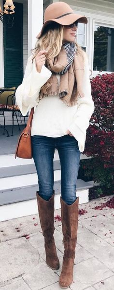 how to style a nude hat : scarf + bag + white sweater + skinnies + brown high boots 39 Trending Fashion Ideas You Need To Try – how to style a nude hat : scarf + bag + white sweater + skinnies + brown high boots Source Winter Boots Outfits, Outfits With Hats, Fall Outfits, Casual Outfits, Cute Outfits, Boot Outfits, Brown Boots Outfit Winter, Casual Clothes, Winter Fashion Casual